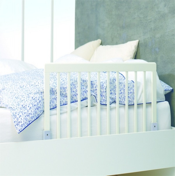 Barrera de cama babydan madera blanca segurbaby for Camas blancas de madera