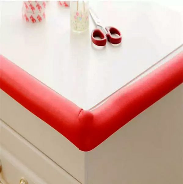 Rollo protector cantos mesas y esquinas rojo segurbaby for Mesas para esquinas
