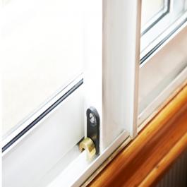Protecciones ventanas y balcones segurbaby for Seguridad ventanas correderas