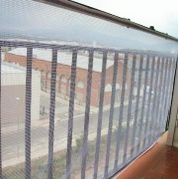 Malla protecci n barandas de balcones segurbaby - Barandillas seguridad ninos ...