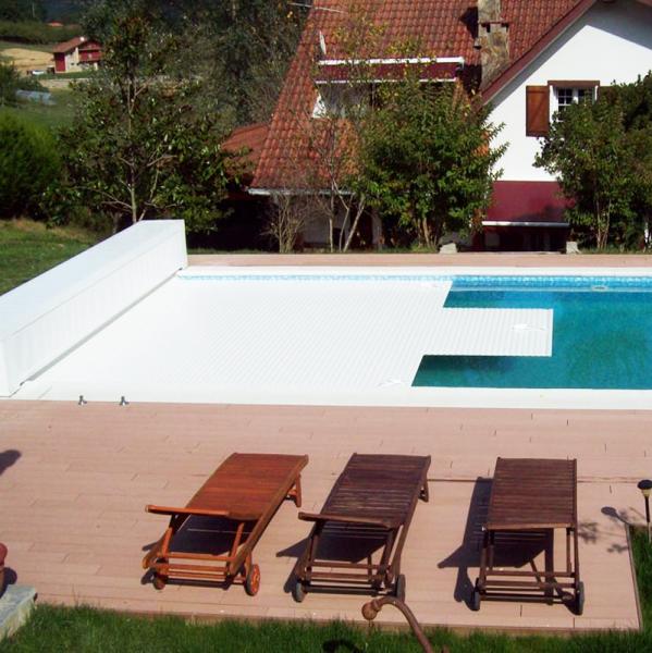 Cobertor para piscinas de lamas segurbaby for Cubierta de piscinas precios