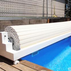 Cobertor para piscinas de lamas segurbaby for Lonas para piscinas baratas