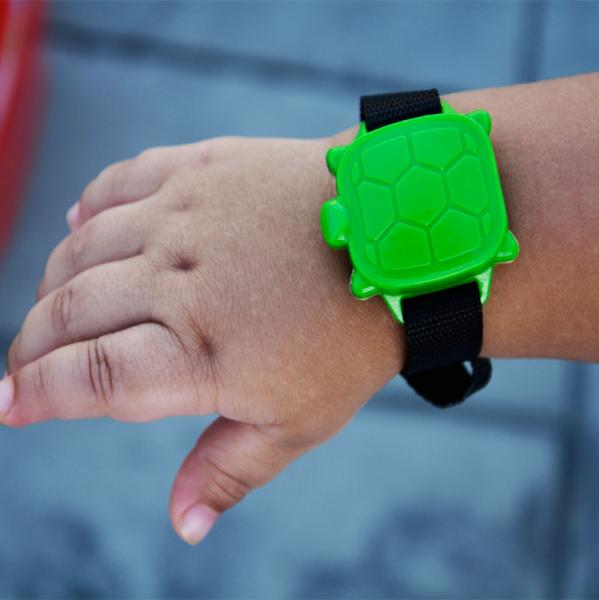 pulsera alarma piscina safety turtle 2 0 segurbaby